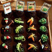 Garden Party Ideas diy pallet tiki bar for garden party Garden Party Cupcake Ideas